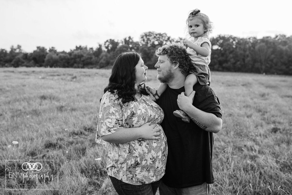 Mount Vernon Columbus Ohio Family Maternity Photographer (9).jpg