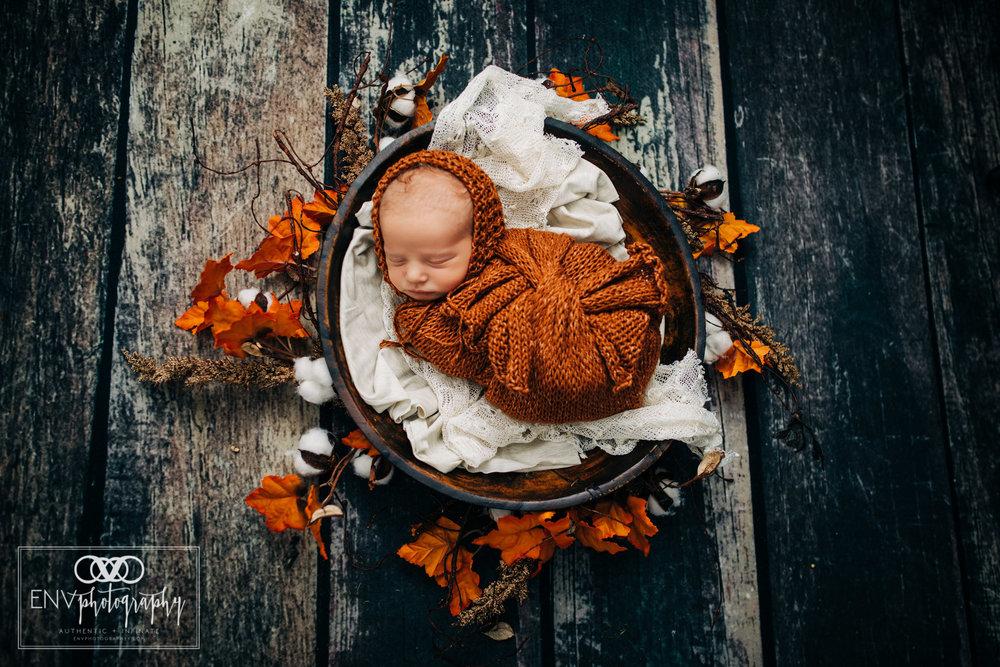 Mount Vernon Columbus Ohio newborn photographer photography in studio (3).jpg