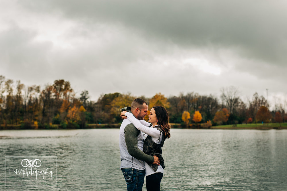 Mount Vernon Columbus Ohio Fall Couple Photography (8).jpg