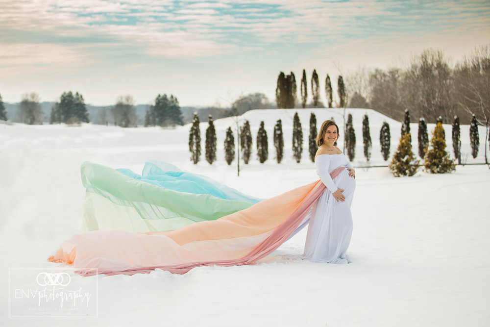 columbus ohio mount vernon ohio rainbow baby snowy winter maternity session  (2).jpg