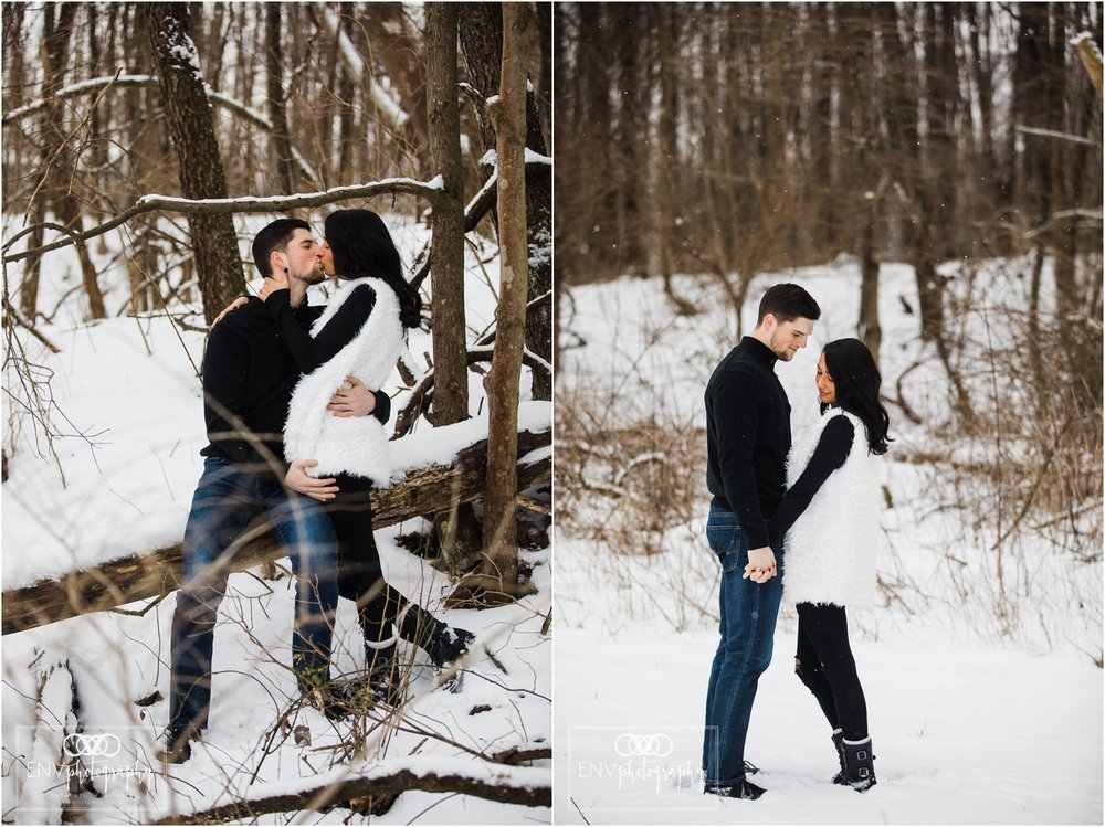 columbus ohio mount vernon ohio winter snowy family engagement photography (14).jpg
