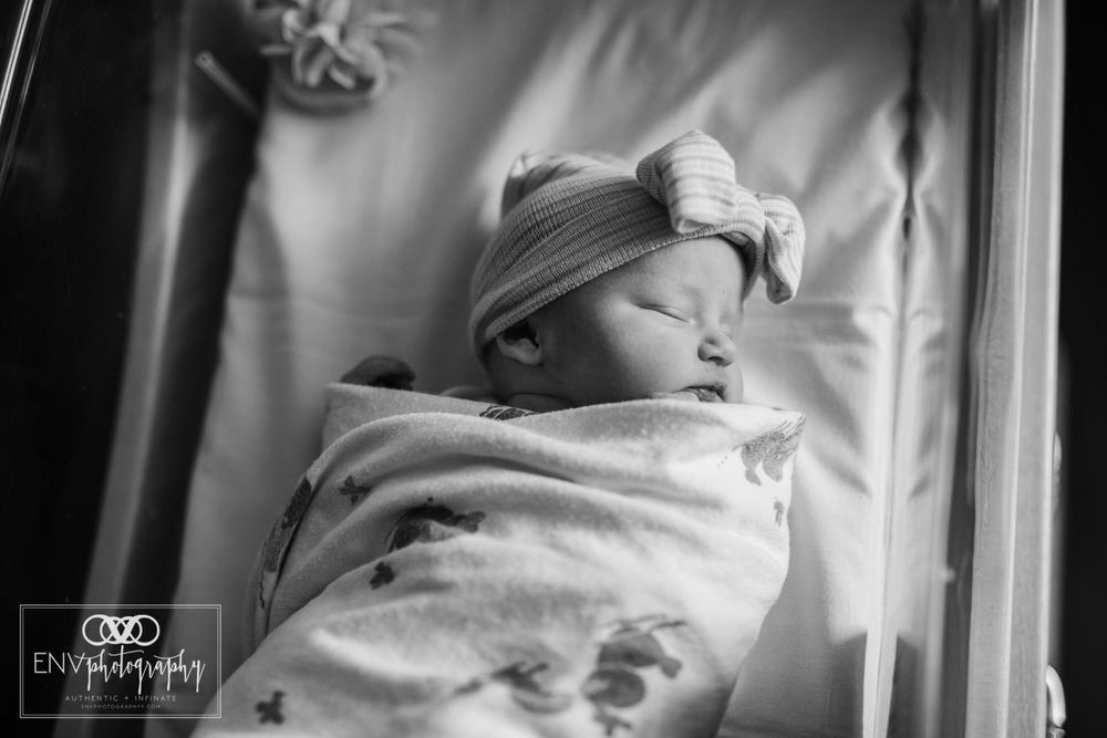 Mount Vernon Columbus Ohio St Anns fresh 48 birth photography scarlett (19).jpg