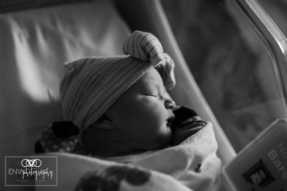 Mount Vernon Columbus Ohio St Anns fresh 48 birth photography scarlett (1).jpg