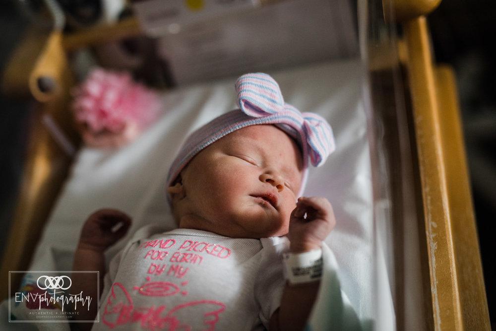 Mount Vernon Columbus Ohio St Anns fresh 48 birth photography scarlett (5).jpg