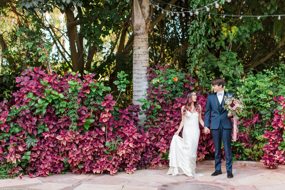 Wedding photos with bride and groom at Eden Gardens in Moorpark, Ca with Malibu wedding photographer Lovisa Photo.