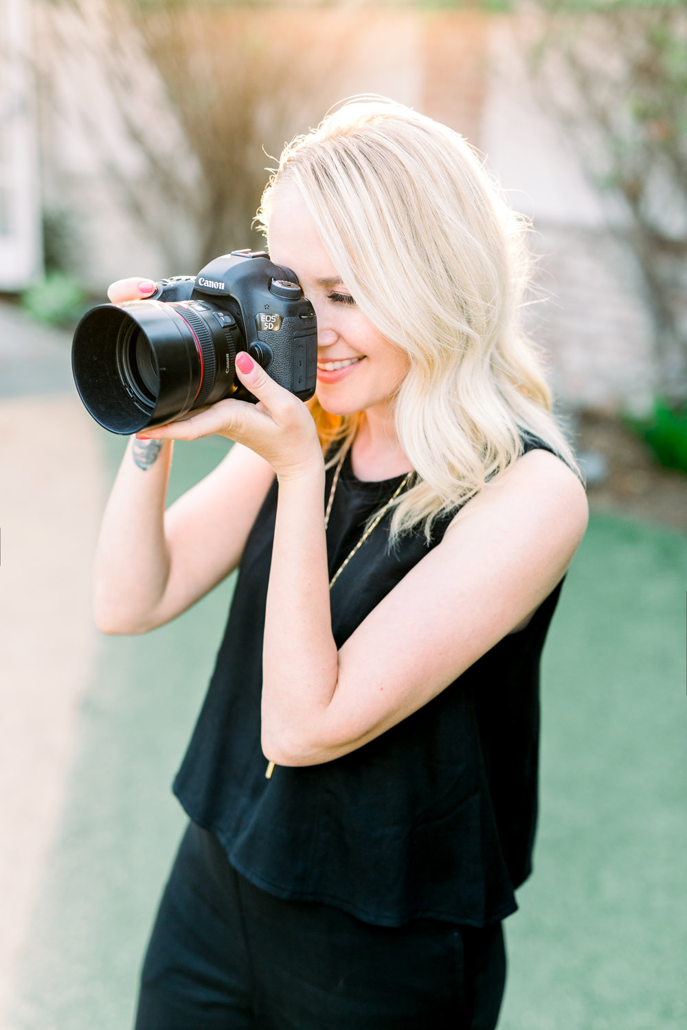 Erin Muller is a Long Beach wedding photographer who specializes in capturing the story of your wedding day.