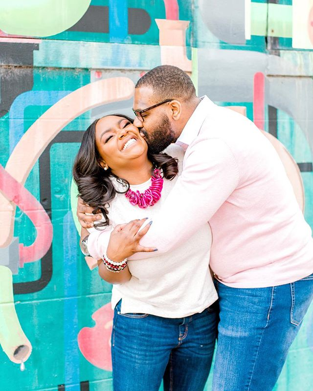 I send all of my couples a guide that helps them prepare for a fun engagement session. Before we started shooting, Andrea and Thiel promised me they read it word for word. Based on this image, I trust that they definitely did! This sweet and colorful Richmond engagement session is on the blog today ✨