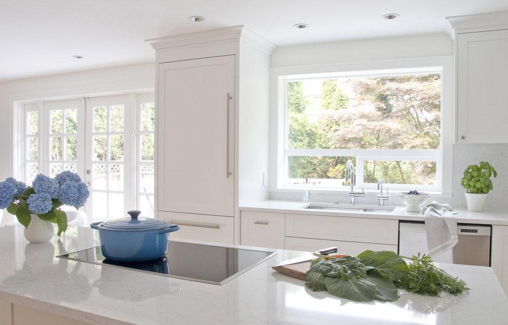 White Kitchen sink on the window.jpg