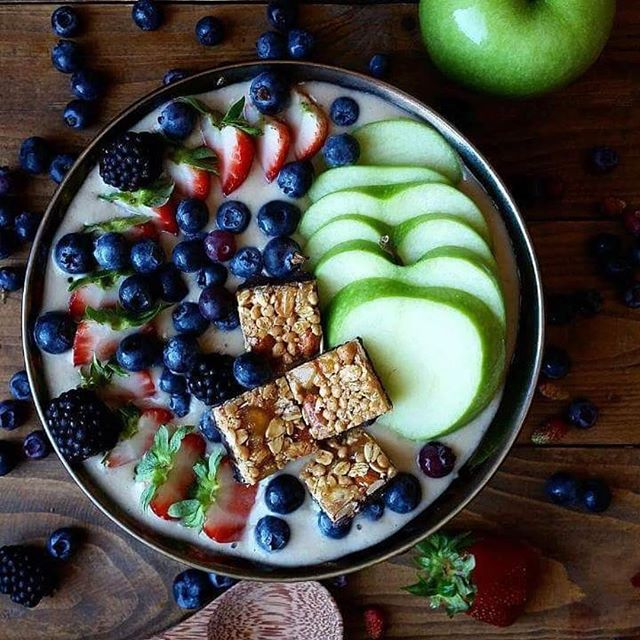 goodnessknows you want to try this. #bowlgoals #TryALittleGoodness 📷 @cinnamonandberries . . . #smoothiebowl #apples #darkchocolate #peanuts #almonds #blueberries #strawberries #blackberries #delicious #yum #goodforyou #goodness #goodnessknows