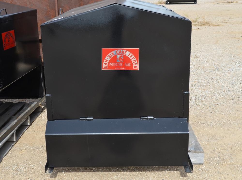 feed dispensers bar 6 rh bar6mfg com Cake Feeders for ATV Apache Cake Feeders