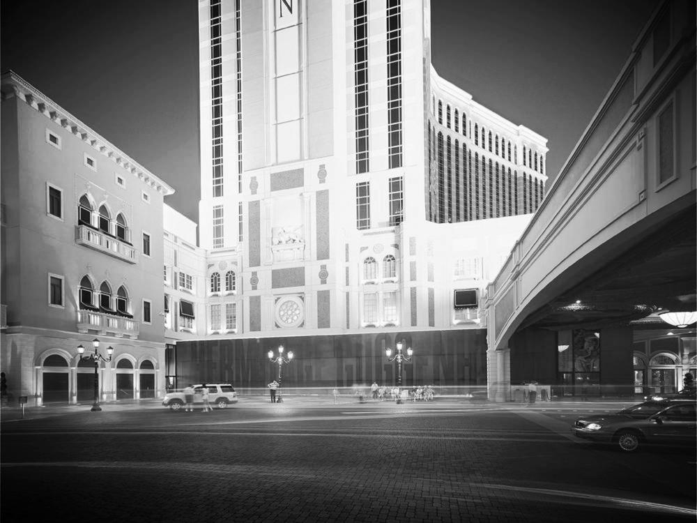 Guggenheim-Hermitage Museum - Las Vegas, 2000-2001 (Rem Koolhaas)