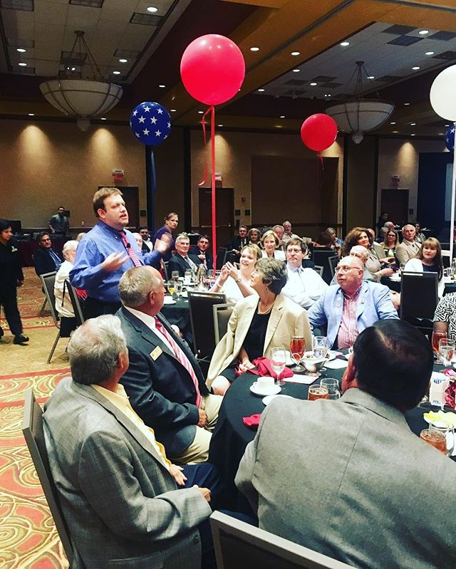 The #ARGOP had a very entertaining and insightful night with @FrankLuntz. Thanks for visiting Arkansas! #Republican #StatesmanDinner #Rogers #NWA #GOP #ARGOPStateConvention #America #Arkansas
