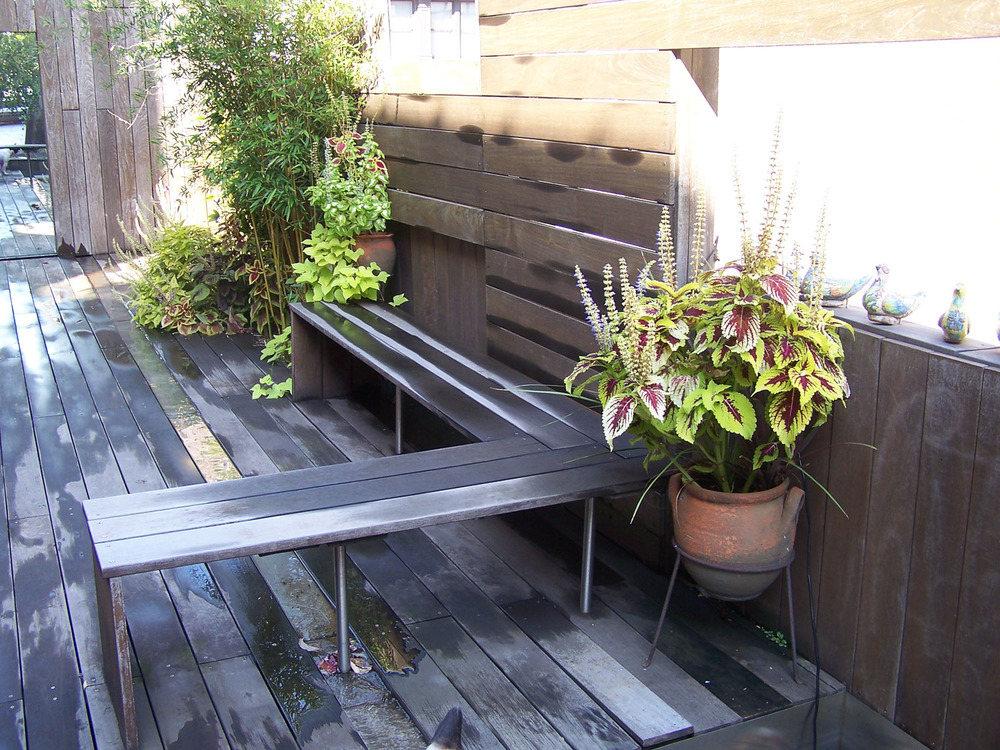 05_bench_Petroulas Roof Garden by I-Beam_photo by Travis Dubreuil.jpg