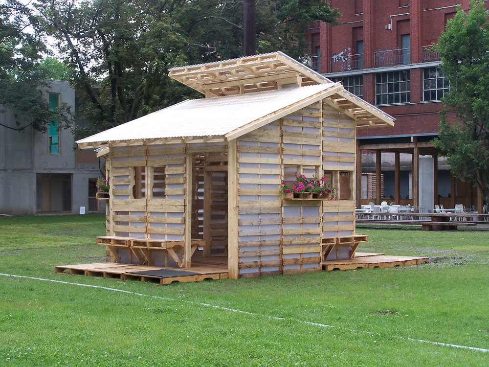 Pallet House from exterior _ Milan photo by Suzan Wines, exterior.jpg