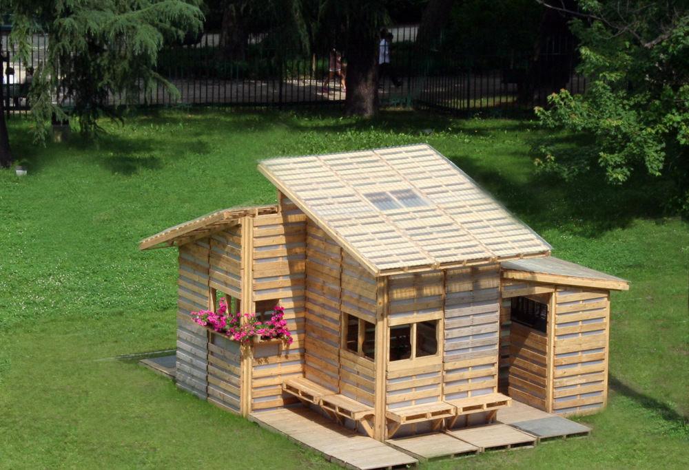 THE PALLET HOUSE. Construction Plans And Details Are Available For $75.00:  HERE