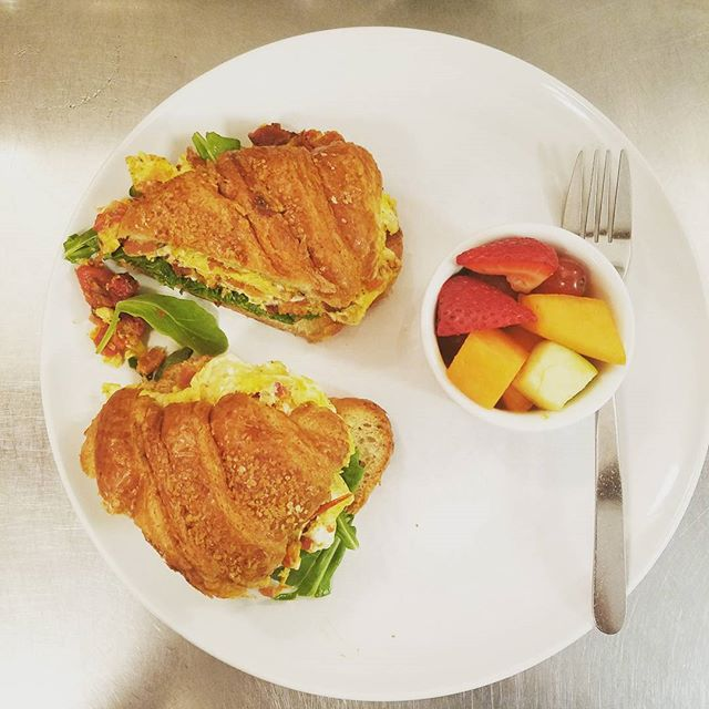 Come try our famous BLT Egg Sandwhich!  With farmhouse eggs, Bacon, roasted grape tomatoes,  topped with arugla mayo on a crossiant  Breakfast is served ALL DAY 😄 #MADEFRESH