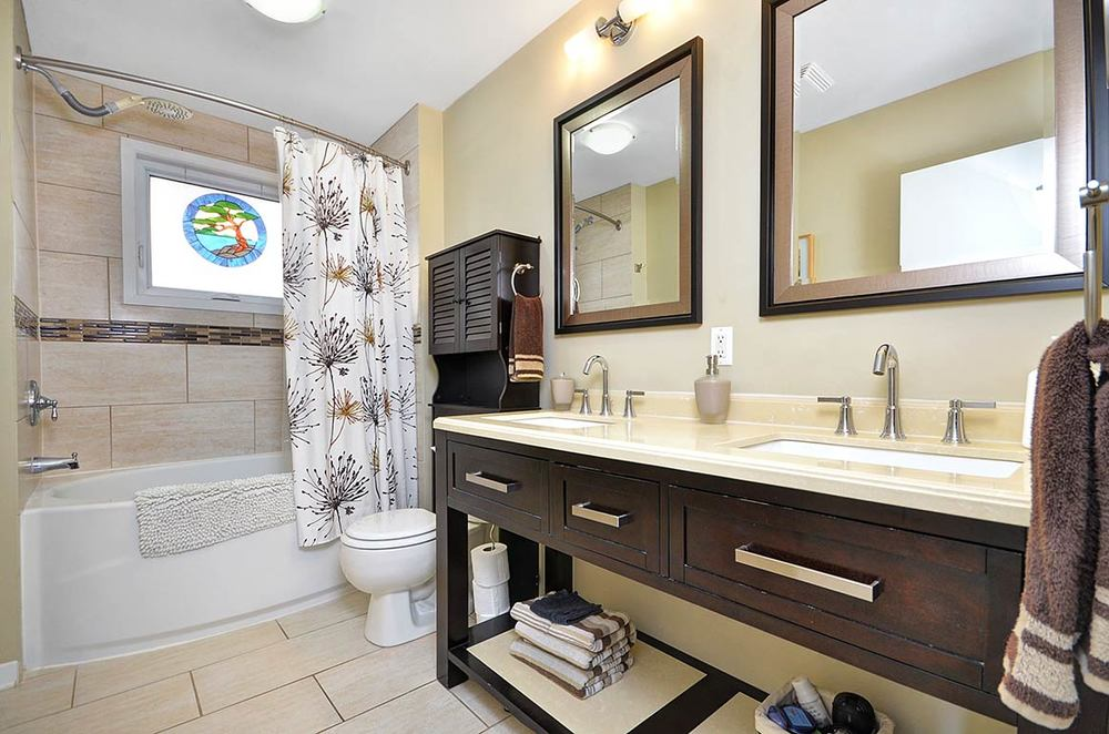 015bathroom1.jpg