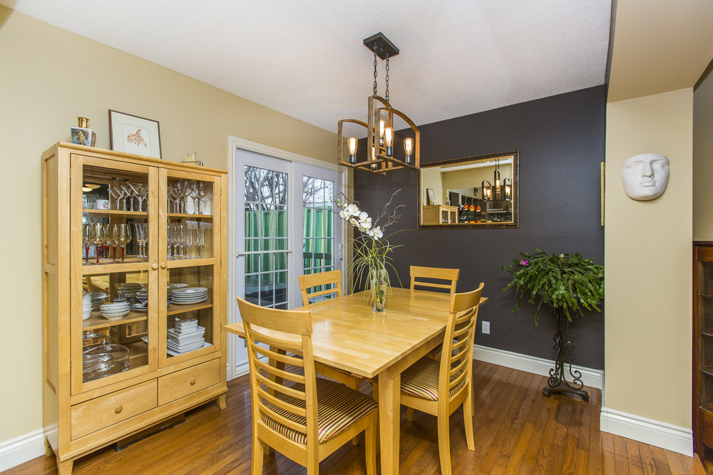 16 dining room.jpg