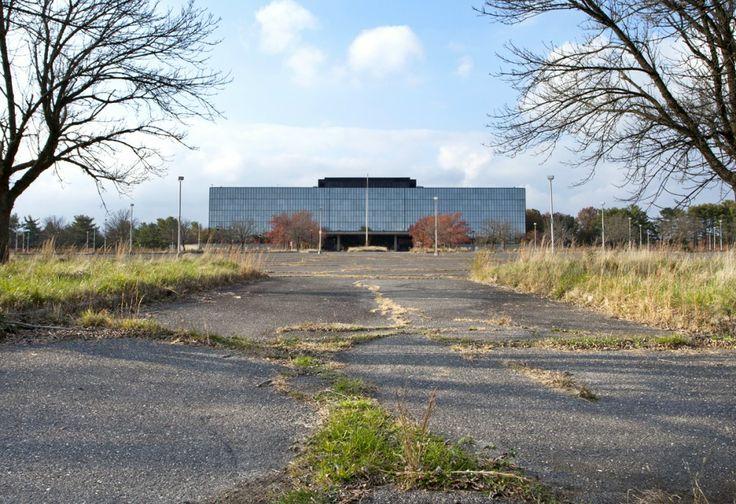 Saarinen's Bell Labs. Image © Rob Dobi