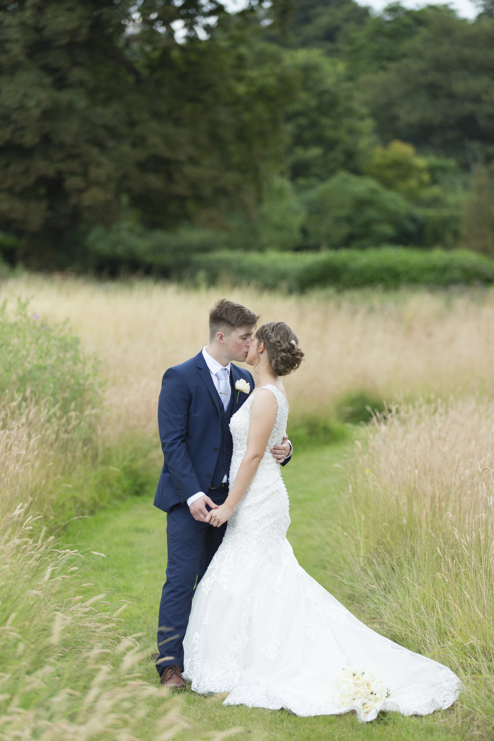 larafrostphotography_cusworthhall_doncaster_southyorkshire_karlandlucy_weddingphotography_photographer_yorkshire_bride_groom-51.jpg