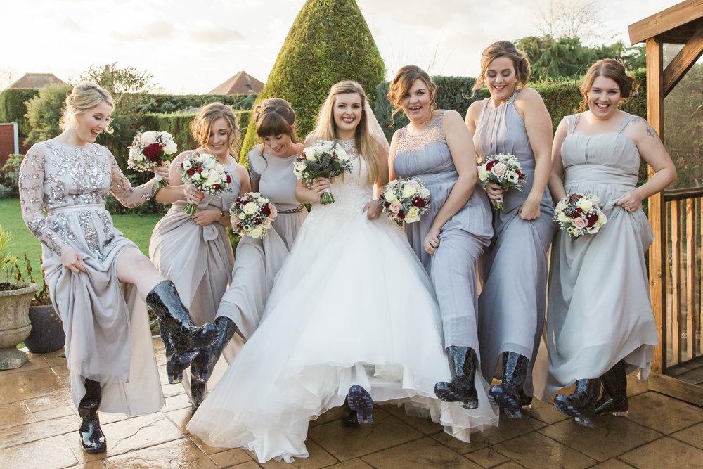 larafrostphotography_fishlakemill_doncaster_southyorkshire_sammiandandrew_weddingphotography_photographer_yorkshire_bride_groom-14.jpg