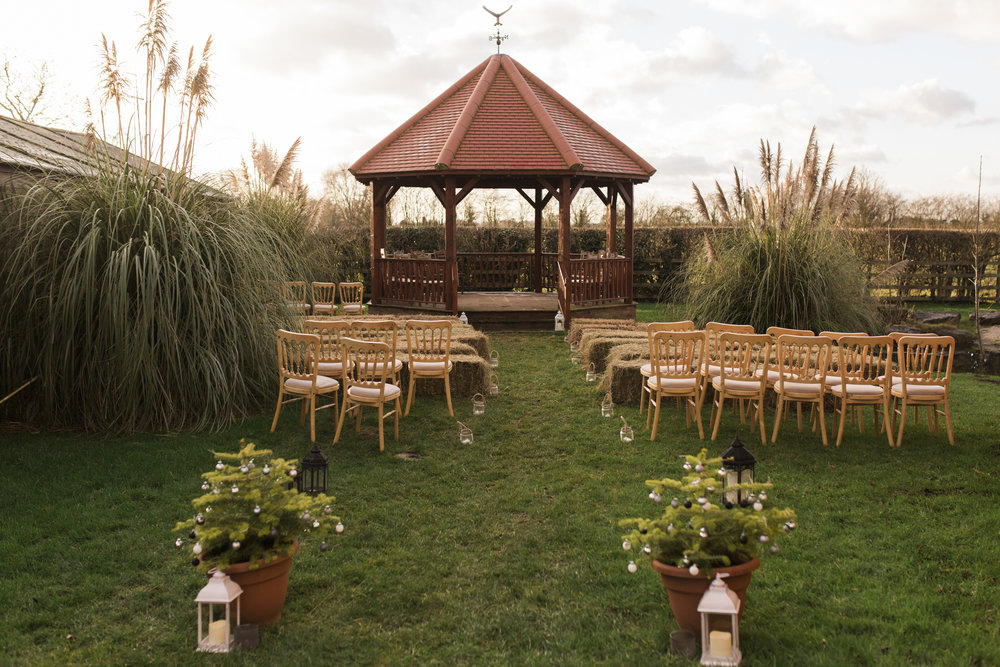 larafrostphotography_fishlakemill_doncaster_southyorkshire_sammiandandrew_weddingphotography_photographer_yorkshire_bride_groom-22.jpg