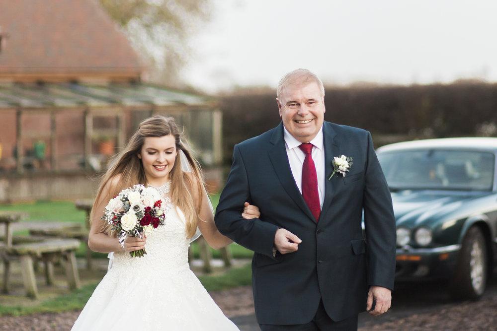 larafrostphotography_fishlakemill_doncaster_southyorkshire_sammiandandrew_weddingphotography_photographer_yorkshire_bride_groom-33.jpg
