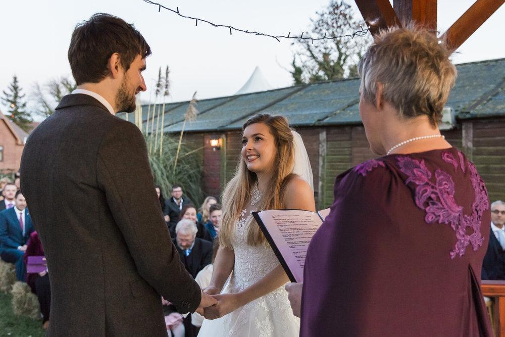 larafrostphotography_fishlakemill_doncaster_southyorkshire_sammiandandrew_weddingphotography_photographer_yorkshire_bride_groom-35.jpg