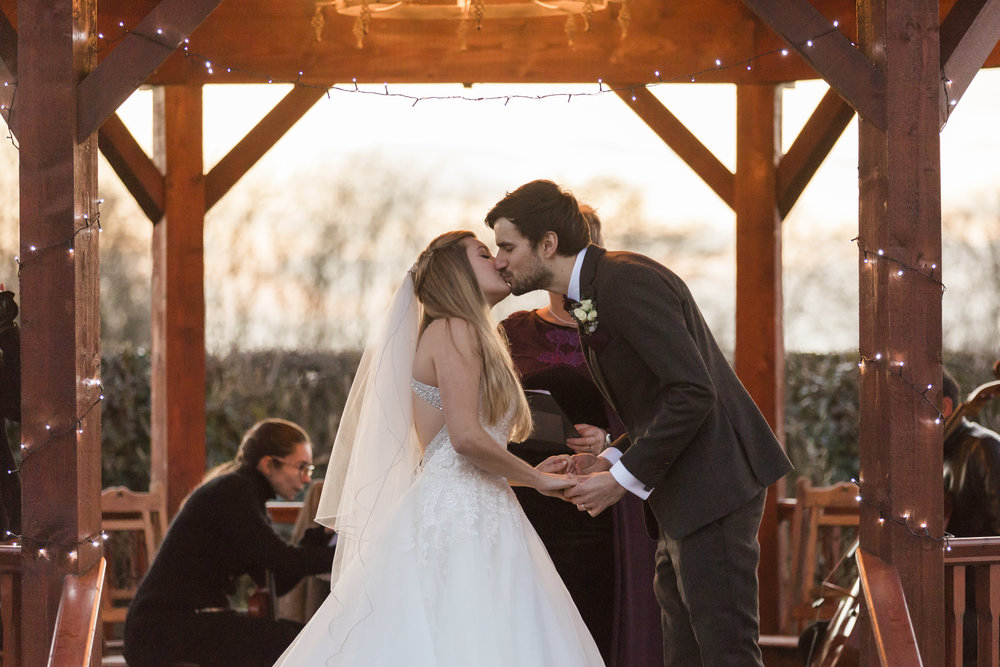 larafrostphotography_fishlakemill_doncaster_southyorkshire_sammiandandrew_weddingphotography_photographer_yorkshire_bride_groom-44.jpg