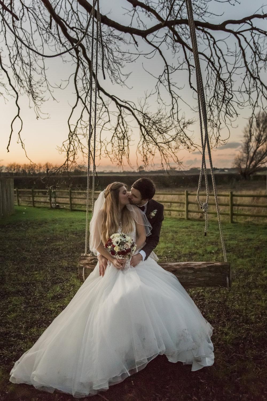 larafrostphotography_fishlakemill_doncaster_southyorkshire_sammiandandrew_weddingphotography_photographer_yorkshire_bride_groom-48.jpg