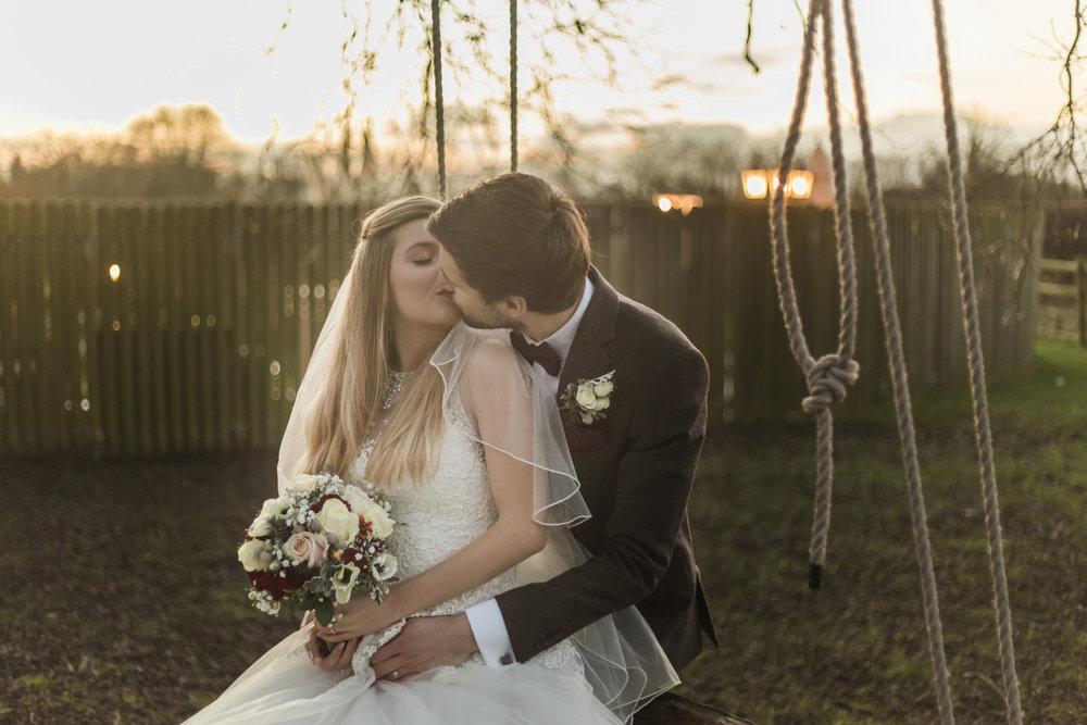larafrostphotography_fishlakemill_doncaster_southyorkshire_sammiandandrew_weddingphotography_photographer_yorkshire_bride_groom-49.jpg