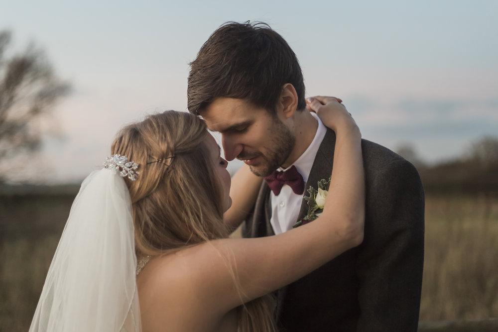 larafrostphotography_fishlakemill_doncaster_southyorkshire_sammiandandrew_weddingphotography_photographer_yorkshire_bride_groom-51.jpg
