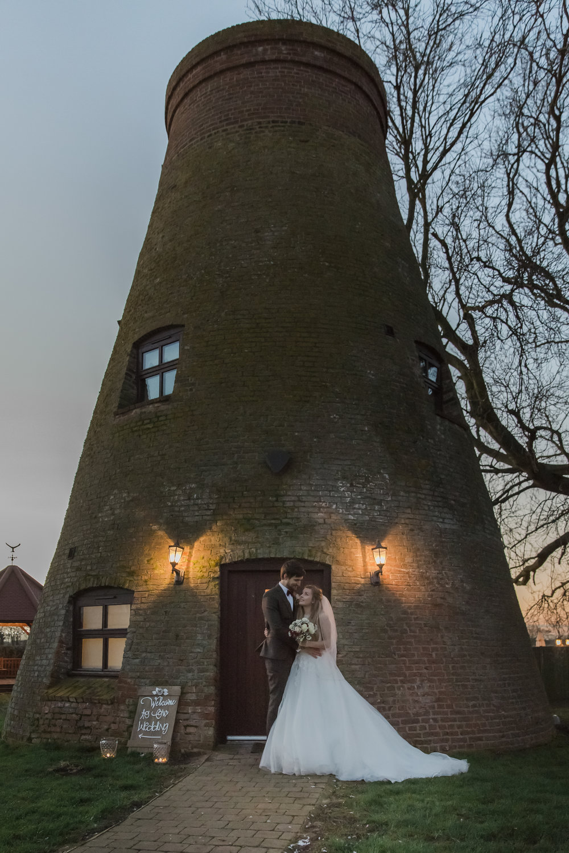 larafrostphotography_fishlakemill_doncaster_southyorkshire_sammiandandrew_weddingphotography_photographer_yorkshire_bride_groom-53.jpg