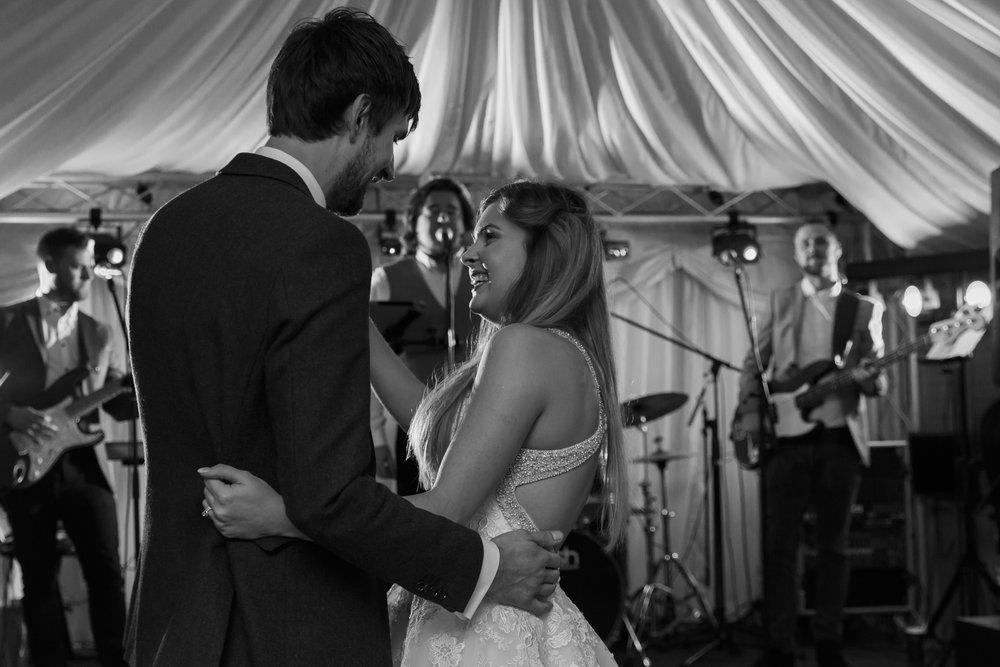 larafrostphotography_fishlakemill_doncaster_southyorkshire_sammiandandrew_weddingphotography_photographer_yorkshire_bride_groom-76.jpg