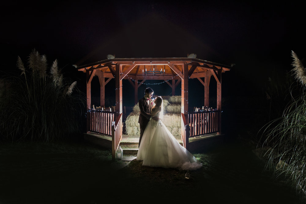 larafrostphotography_fishlakemill_doncaster_southyorkshire_sammiandandrew_weddingphotography_photographer_yorkshire_bride_groom-81.jpg