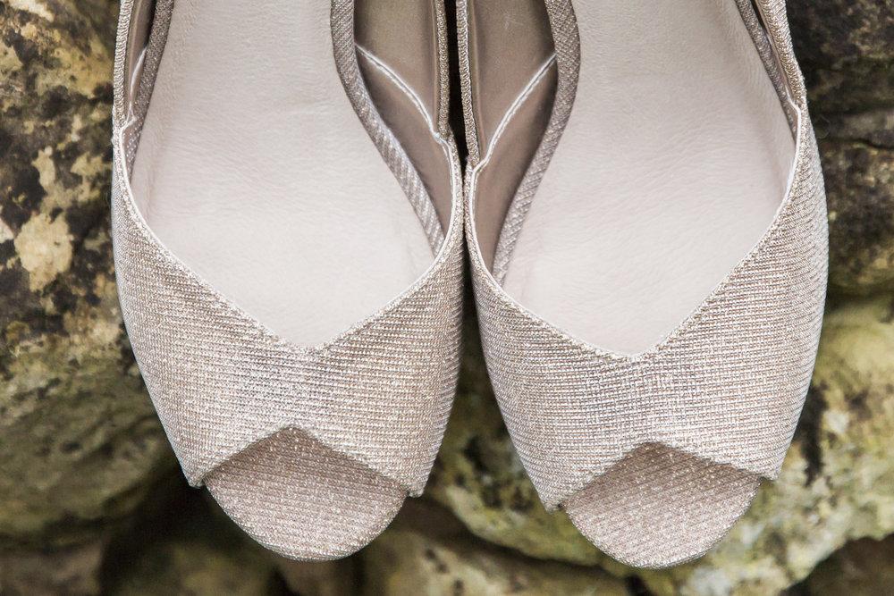 larafrostphotography_fishlakemill_doncaster_southyorkshire_sammiandandrew_weddingphotography_photographer_yorkshire_bride_groom-4.jpg