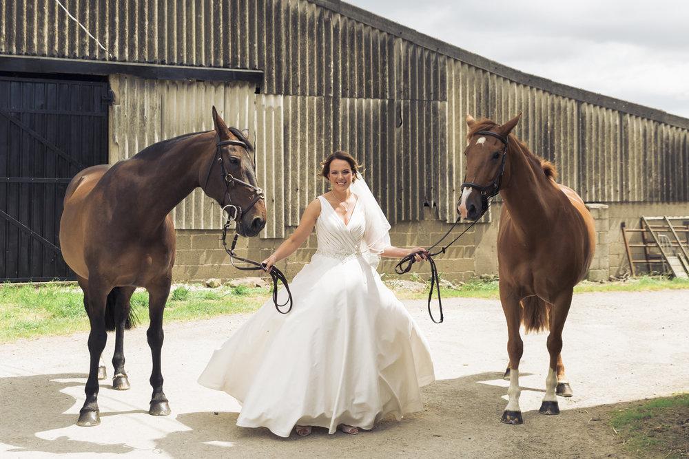Lara Frost Photography_Whiston Farm Wedding-10-2.jpg