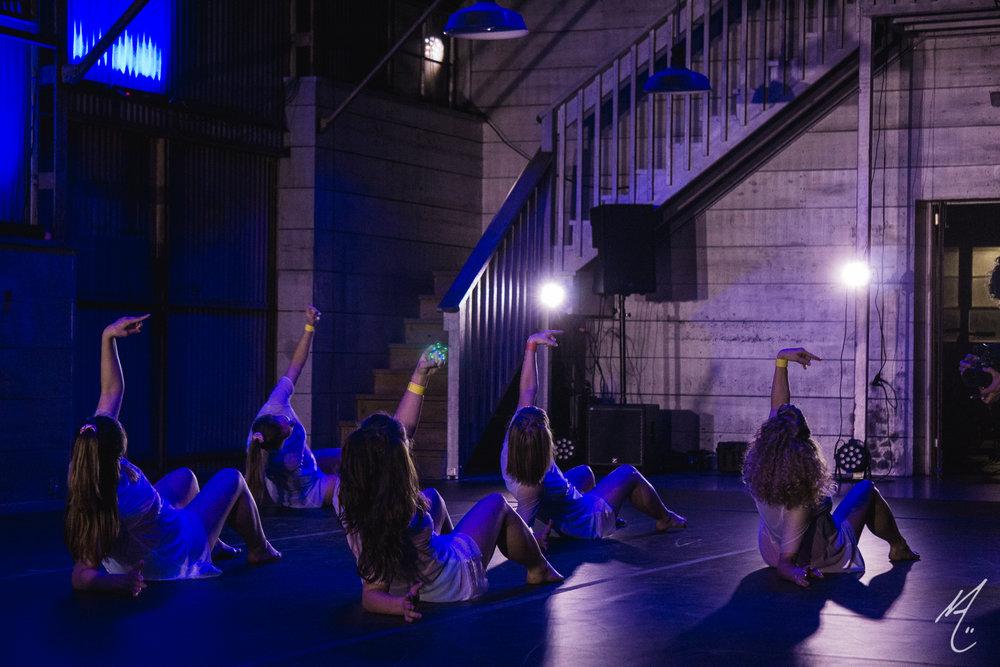 Dancers: Lauren Parra, Shanna Fragen, Jenny Alperin, Emily Rushing, Hailley Laurèn