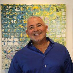 HOW AN ARTIST FOUND THE BEAUTY IN HIS CANCER JOURNEY - November 30, 2018 | by Dory BenfordPaul Ecke expresses himself through his art. One of this painter and sculptor's many gifts is the ability to find the beauty in everything — even a devastating cancer diagnosis.
