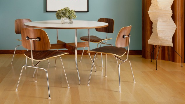 Eames Molded Plywood Dining Chair with Metal Base (1946) | Herman Miller