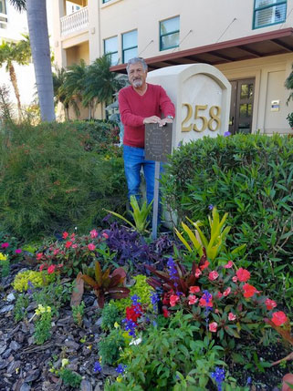 Al Urbont in front of 288 GGP, Majestic Bay.    Majestic Bay won the Golden Gate Point Association   2016 Beautification Award   at the 2017 Members' Annual Meeting