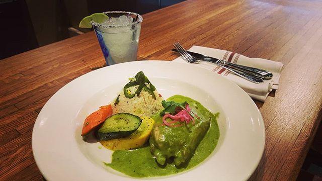 Authentic Pollo Azteca and an ice cold Ole margarita. Cheers! #ole #olerestaurantgroup #cambridge #inmansquare #margaritas #authentic #mexican #tasteofmexico