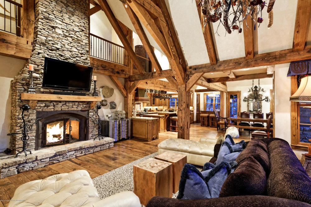Well appointed living area.