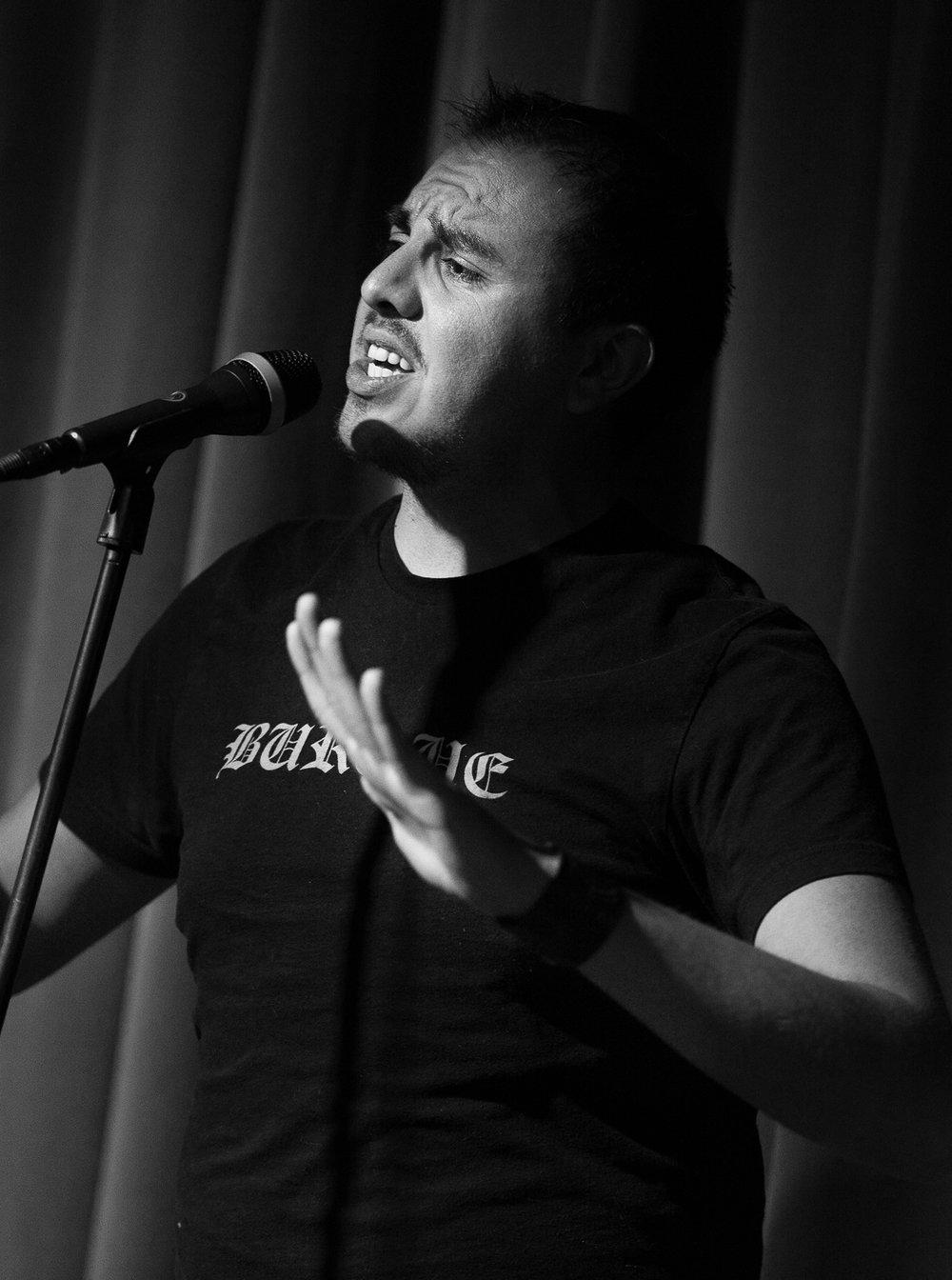 Poet - DamienFlores-ProfilePic.jpg
