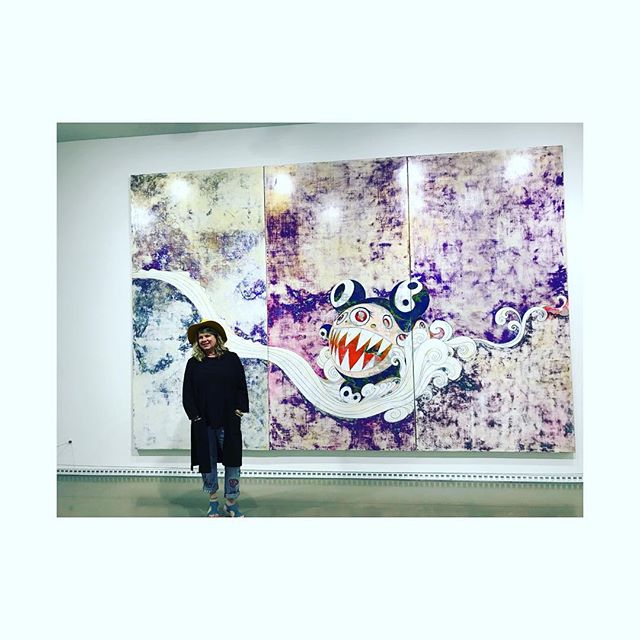 For my birthday I wore a yellow hat, jaunty baby blue strappy shoes & took the chicklets & @kiranoellephotos (my lovely niece) to see the Murakami exhibit at the VAG! Wow! Stunning. A visual smorgasbord of controlled, silk screened chaos in riots of colour and stories. Go before it's gone May 6th! Fabulous...and the best birthday on record in an eon 🌿 . . . #murakami #vancouver #vancouverartgallery #birthday #ilovemykids #art #artexhibition #floristlife @vanartgallery