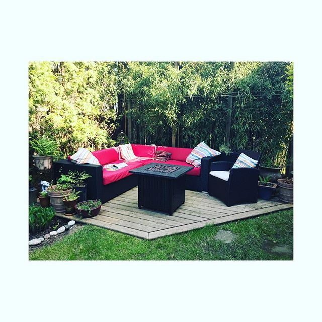 Planning on spending long lazy days parked here this summer now that the damn weather has smartened up! May even work on a few flower events in the shade with a g&t 🌿 . . . #summer #relax #garden #backyard #shadegarden #chill #floristlife #newest