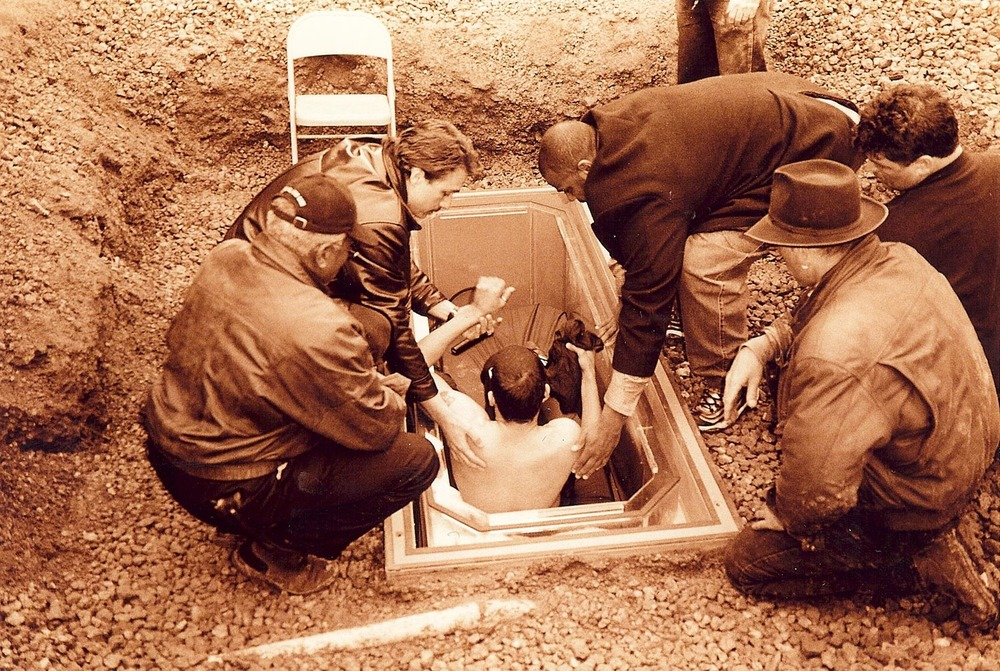 buried02.jpg