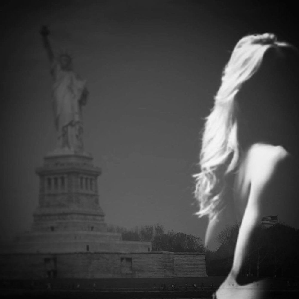 Ladies are so competitive. #liberty #paintedbylight #blackandwhite #nyc