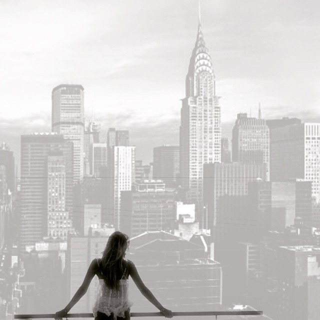 See you Sunday, #nyc #blackandwhite #film #paintedbylight #thursday hi guys! ❤️✨✌️🙊💃  http://ift.tt/1Kjv4Rz
