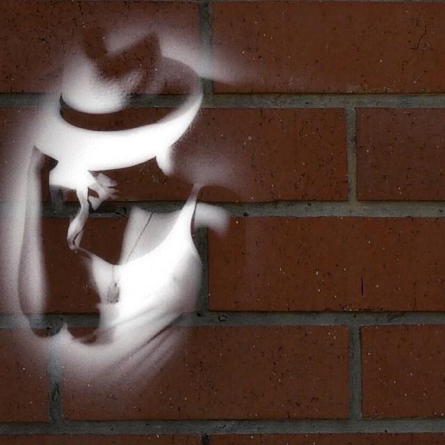 Brick border. #paintedbylight #blackandbrick #nyc  http://ift.tt/1yAFiEZ
